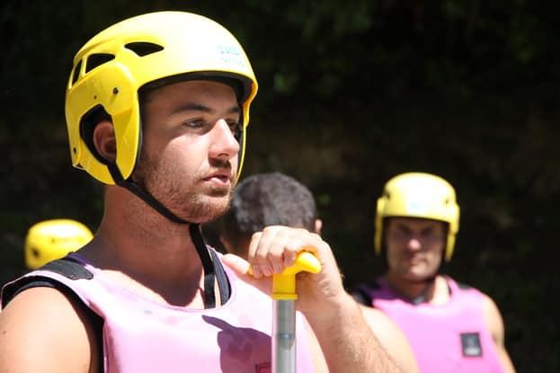 Equipement pour le rafting lors du stage cohésion dans l'Aude