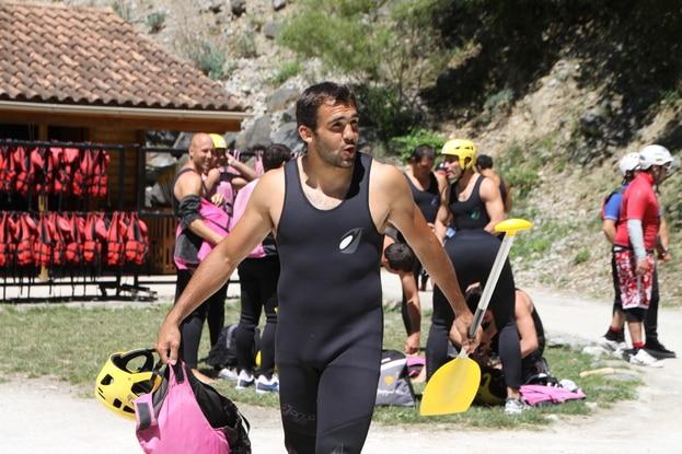 le raft lors d'un stage cohésion club de sport dans l'Aude